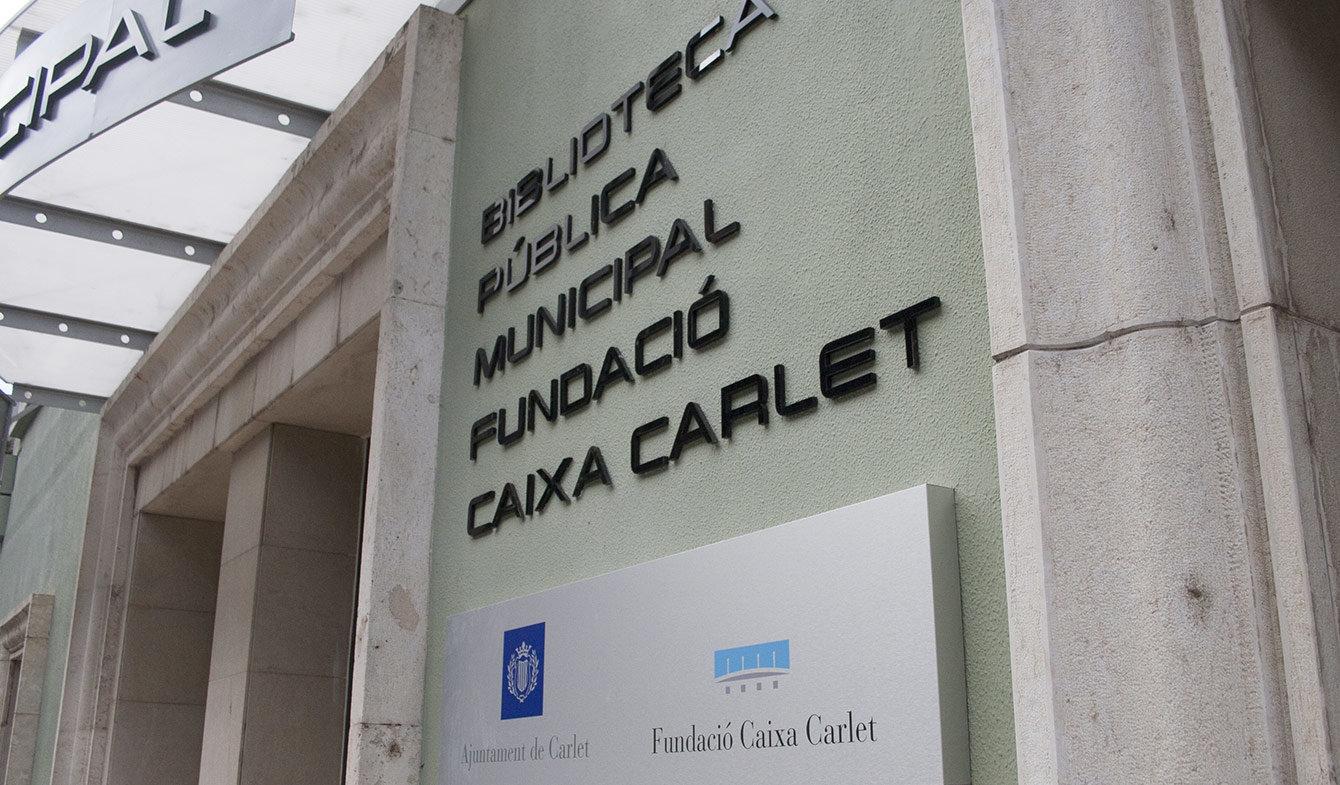 Rótulo entrada biblioteca municipal de Carlet